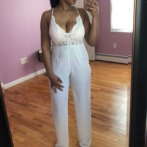 PRETTYLITTLETHING WHITE JUMPSUIT
